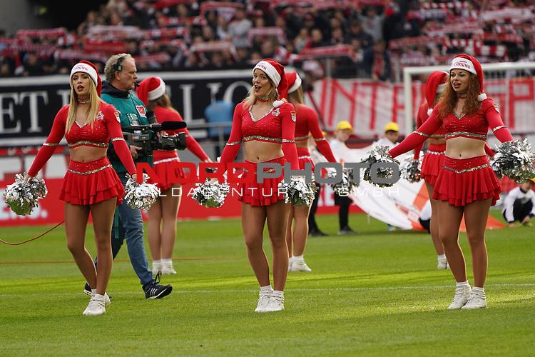 01.12.2018, RheinEnergieStadion, Koeln, GER, 2. FBL, 1.FC Koeln vs. SpVgg Greuther Fürth,<br />  <br /> DFL regulations prohibit any use of photographs as image sequences and/or quasi-video<br /> <br /> im Bild / picture shows: <br /> die Cheerleader des 1. FC Köln <br /> <br /> Foto © nordphoto / Meuter