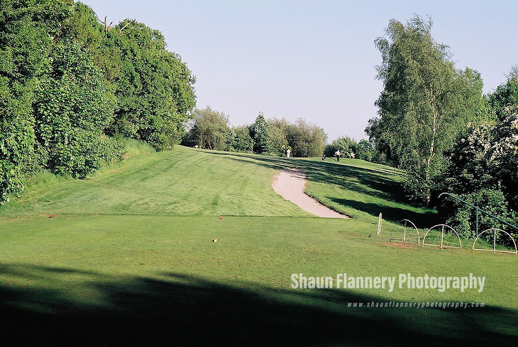 Pix: Shaun Flannery/shaunflanneryphotography.com...COPYRIGHT PICTURE>>SHAUN FLANNERY>01302-570814>>07778315553>>..18th May 2004..............Hickleton Golf Club, Lidgett Lane, Hickleton, Doncaster, DN5 7BE..Golf Course - 6th tee