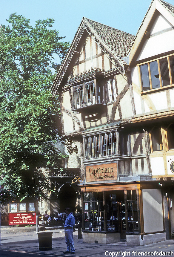 Oxford: Half-timbered building, Cornmarket. Photo '87.