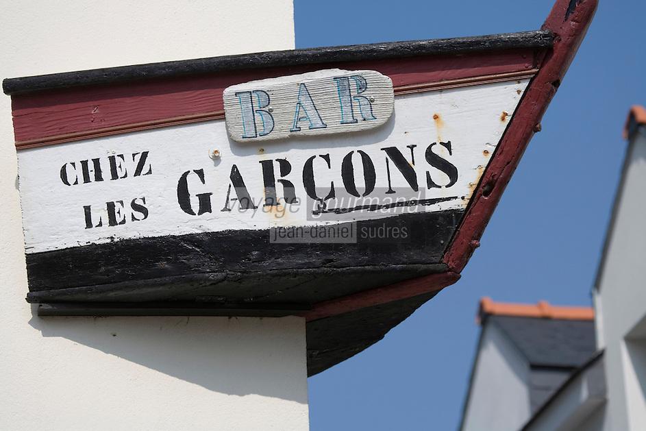 """Europe/France/Bretagne/56/Morbihan/Golfe du Morbihan/Ile-Aux-Moines/Locmiquel: Enseigne du Bar-Restaurant """"Chez Les Garçons"""""""