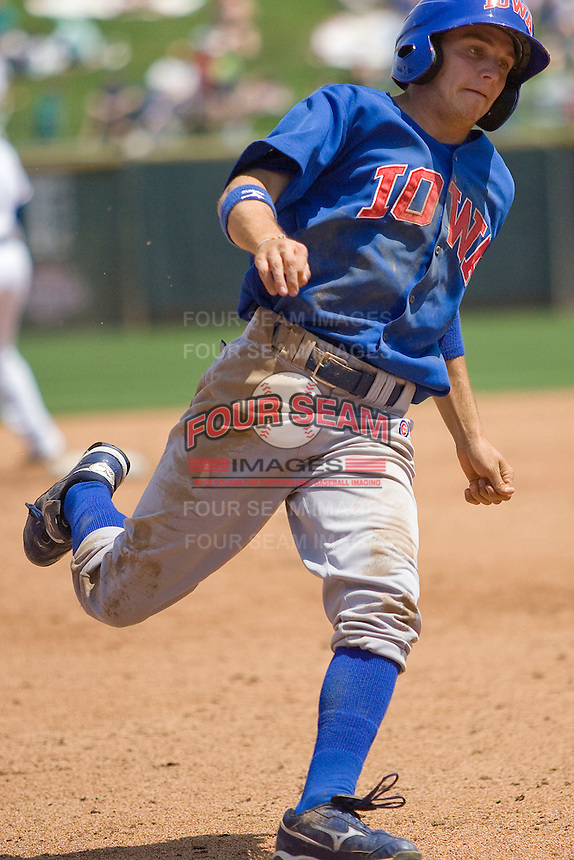 Iowa Cubs 3B Tony Campana (7) rounds third base against the Round Rock Express on April 10th, 2011 at Dell Diamond in Round Rock, Texas.  (Photo by Andrew Woolley / Four Seam Images)