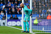 1st February 2020; King Power Stadium, Leicester, Midlands, England; English Premier League Football, Leicester City versus Chelsea; Willy Caballero of Chelsea instructs his team's wall at a free kick