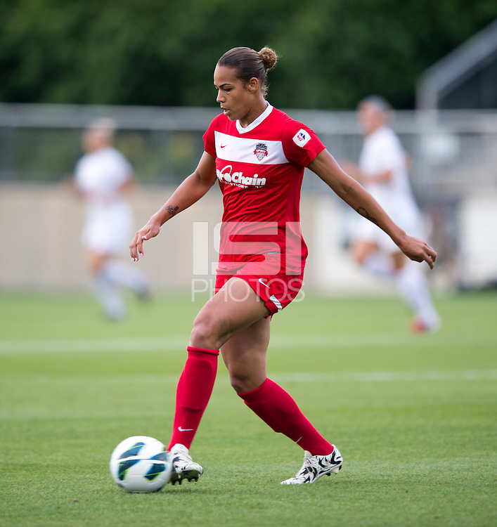 Toni Pressly (19) of the Washington Spirit passes the ball at the Maryland SoccerPlex in Boyds, MD. The Washington Spirit tied FC Kansas City, 1-1.