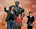 "Shawn Levy, Mana Ashida and Dakota Goyo, Nov 30, 2011:(L-R)director Shawn Levy, Japanese child actress Mana Ashida and  child actor Dakota Goyo  attend the press conference for the film ""Real Steel"" in Tokyo, Japan, on November 30, 2011."