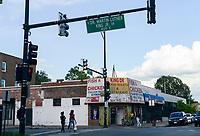 USA Chicago, south side of Chicago, Washington Park, Dr. Martin Luther King Jr. Drive, afroamerican quarter with violence and criminal youth gangs / afroamerikanisches Problemviertel mit Jugendgangs und hoher Kriminalitaet, es gibt nur wenige Laeden oder Restaurants