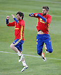 Spain's David Jimenez Silva (l) and Gerard Pique during training session. March 21,2016. (ALTERPHOTOS/Acero)