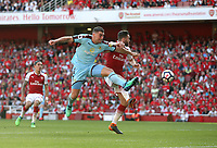 Burnley's Sam Vokes goes close under pressure from Arsenal's Calum Chambers<br /> <br /> Photographer Rob Newell/CameraSport<br /> <br /> The Premier League - Arsenal v Burnley - Sunday 6th May 2018 - The Emirates - London<br /> <br /> World Copyright v&Ccedil;&not;&copy; 2018 CameraSport. All rights reserved. 43 Linden Ave. Countesthorpe. Leicester. England. LE8 5PG - Tel: +44 (0) 116 277 4147 - admin@camerasport.com - www.camerasport.com