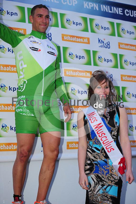INLINE-SKATEN: STEENWIJK: Gagelsweg (start/finish), Schansweg, Meppelerweg, KPN Inline Cup, Klim van Steenwijk, 02-05-2012, Crispijn Ariëns, groene leiderstrui, Elisa Knol (Miss Musculus), ©foto Martin de Jong