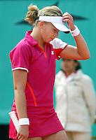 29-5-06,France, Paris, Tennis , Roland Garros, Michaella Krajicek is disapointed in her first round match