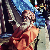 Haridwar 11-13.02.2010 India..The Maha (Great) Kumbh Mela in Haridwar. Pilgrims and Sadhus in great number from around India visit here to bath at the banks of the river Ganges. They belive that a holy dip in sacred river during Maha Kumbh takes human out of the circle of life and death. Sadhu..photo Maciej Jeziorek/Napoimages..Haridwar 12.02.2010 Indie.Kumbh Mela ( Swieto Dzbana ). Pielgrzymi i Sadhu ( Swieci - hinduscy wedrowni asceci) przybywaja tu zanurzyc sie w Gangesie. Wierza oni, ze pozwoli im to wyrwac sie z cyklu narodzin i smierci..fot. Maciej Jeziorek/Napoimages.