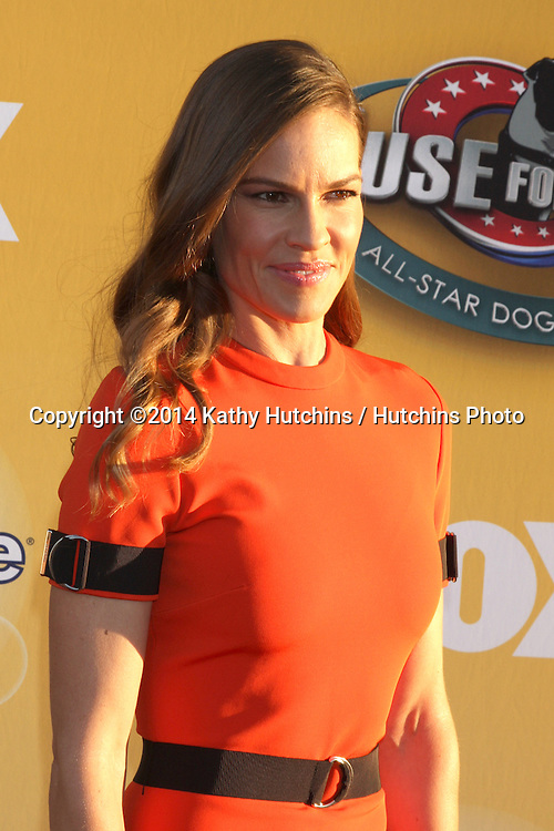 "LOS ANGELES - NOV 22:  Hilary Swank at the FOX's ""Cause for Paws:  All-Star Dog Spectacular"" at the Barker Hanger on November 22, 2014 in Santa Monica, CA"