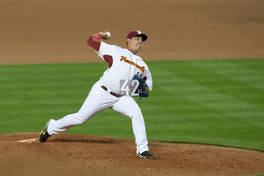21 March 2009: #16 Victor Moreno of Venezuela pitches against Korea during the 2009 World Baseball Classic semifinal game at Dodger Stadium in Los Angeles, California, USA. Korea wins 10-2 over Venezuela.