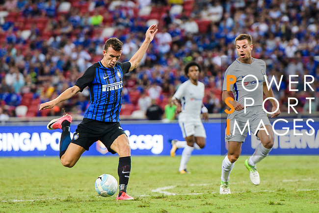 FC Internazionale Forward Ivan Perisic (L) attempts a kick during the International Champions Cup 2017 match between FC Internazionale and Chelsea FC on July 29, 2017 in Singapore. Photo by Marcio Rodrigo Machado / Power Sport Images