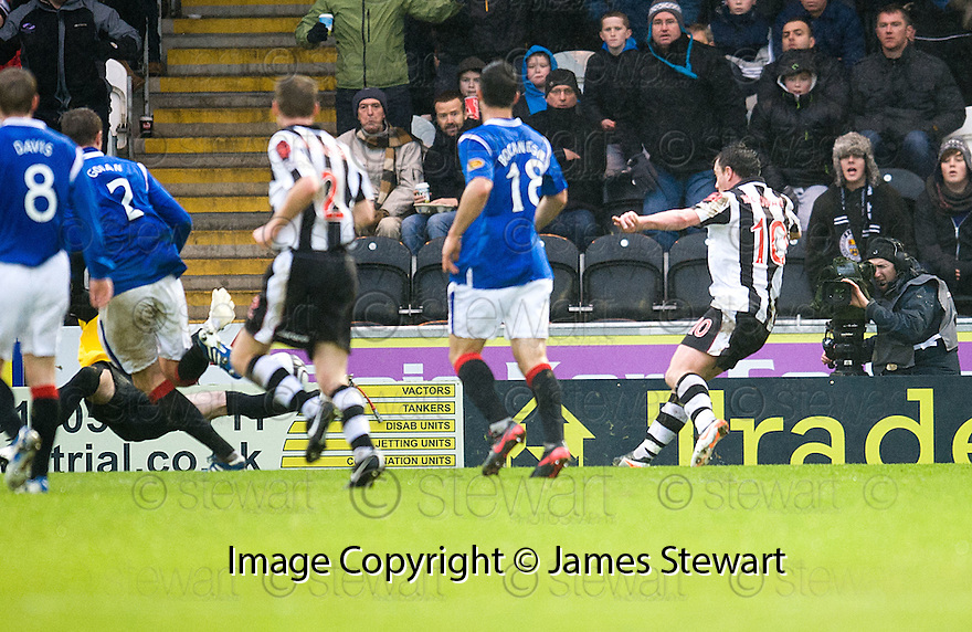 ST MIRREN'S PAUL MCGOWAN SCORES ST MIRREN'S SECOND.
