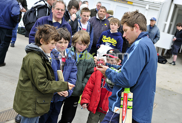 PICTURE BY VAUGHN RIDLEY/SWPIX.COM - Cricket - County Championship - Yorkshire v Somerset, Day 1 - Headingley, Leeds, England - 15/04/10...Copyright - Simon Wilkinson - 07811267706...Yorkshire's Richard Pyrah signs autographs.