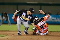 Jose Juan Aguilar de naranjeros , durante el juego de beisbol de Naranjeros vs Cañeros durante la primera serie de la Liga Mexicana del Pacifico.<br /> 15 octubre 2013