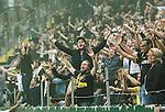 Solna 2015-08-10 Fotboll Allsvenskan AIK - Djurg&aring;rdens IF :  <br /> AIK:s supportrar sjunger under matchen mellan AIK och Djurg&aring;rdens IF <br /> (Foto: Kenta J&ouml;nsson) Nyckelord:  AIK Gnaget Friends Arena Allsvenskan Djurg&aring;rden DIF supporter fans publik supporters