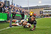 Semesa Rokoduguni of Bath Rugby scores the opening try of the match. European Rugby Champions Cup match, between Bath Rugby and Wasps on December 19, 2015 at the Recreation Ground in Bath, England. Photo by: Patrick Khachfe / Onside Images