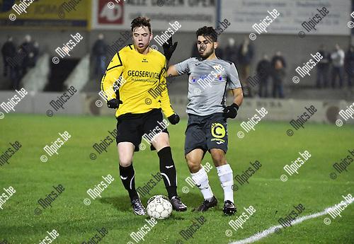 2016-11-26 / Voetbal / Seizoen 2016-2017 / Zwarte Leeuw - Berchem Sport / Ruben Meynendonckx (l. Zwarte Leeuw) met Leandro Zorbo<br /> <br /> ,Foto: Mpics.be