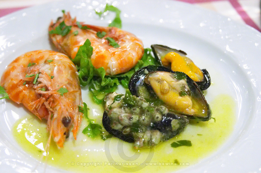 Shrimps. Mussels. Restaurant Berdema Ton Gefseon. Drama, Macedonia, Greece