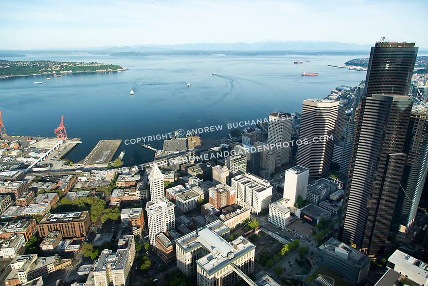 Aerial view of the downtown Seattle waterfront