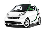 Stock pictures of low aggressive front three quarter view of 2016 Smart fortwo electric 2 Door Convertible Low Aggressive