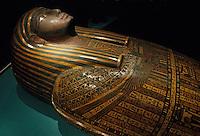 Europe/France/Midi-Pyrénées/46/Lot/Figeac: Musée Champollion - Sarcophage de Kerkehetiti (Thèbes XXV dynastie) en bois polychrome (XXVème-XXVIème av. J-C)
