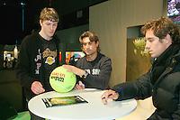 2011-02-07, Tennis, Rotterdam, ABNAMROWTT, Handtekeningen met Gasquet