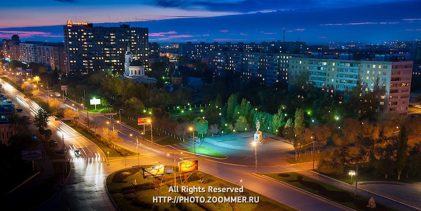 Оренбург - улица Чкалова и Никольская церковь вечером с высоты