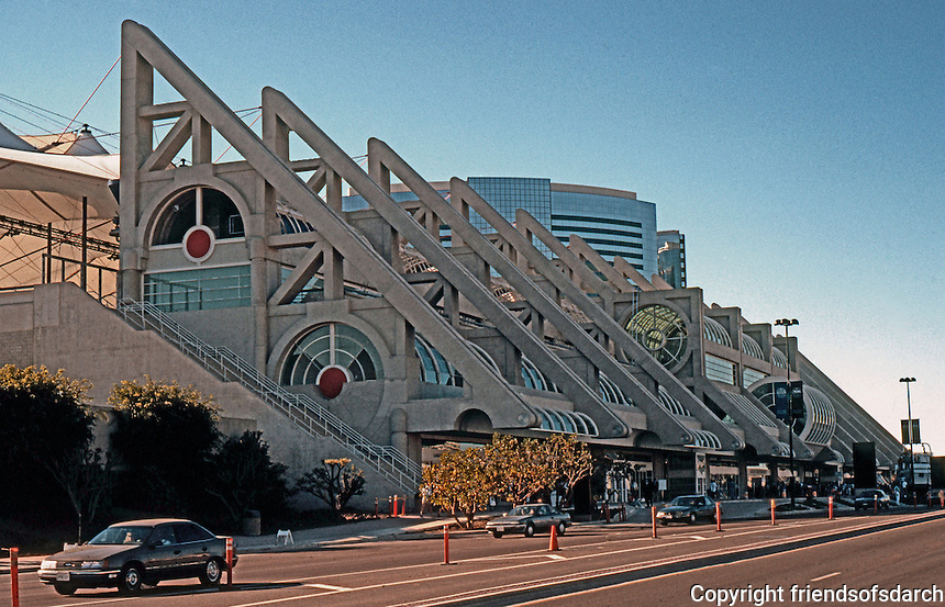 San Diego: San Diego Convention Center, 1989. Photo '90.