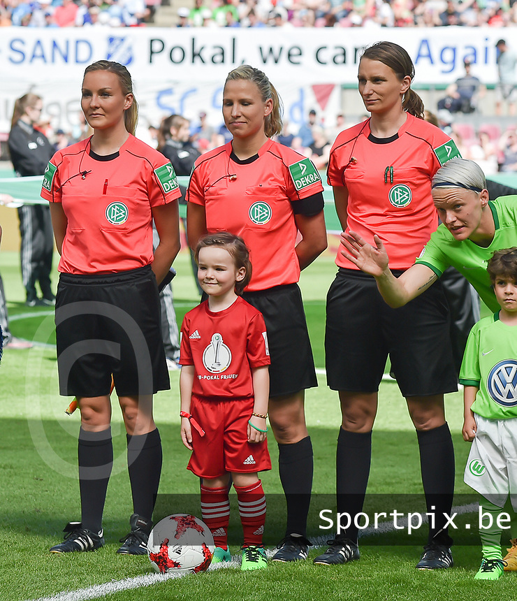20170527 - KOELN , GERMANY : Referee Ines Appelmann (M) with assistant referees Kathrin Heimann (R) and Fabienne Michel (L)  pictured during the final of German Women's Cup 2017 - Pokal Final Frauen , a soccer women game between SC Sand and holders VfL Wolfsburg  , at the Rhein Energie Stadion , saturday 27 th Mayl 2017 . PHOTO SPORTPIX.BE | DIRK VUYLSTEKE