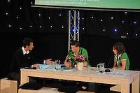 SCHAATSEN: HOOGEVEEN: hoofdkantoor TVM verzekeringen, 02-11-2012, Perspresentatie TVM schaatsploeg, Jacco Eltingh, Sven Kramer, Ireen Wüst, ©foto Martin de Jong