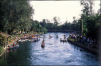 Castelletto di Cuggiono (Milano). Regata sul Naviglio Grande --- Castelletto di Cuggiono (Milan). Regatta on the Naviglio Grande canal