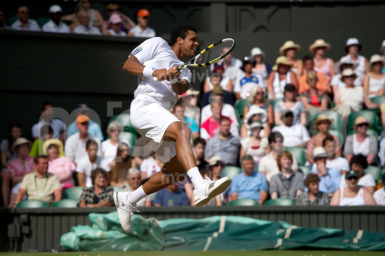 Jo-Wilfried Tsonga (FRA) plays against Andy Murray (GBR) on Centre Court. The Wimbledon Championships 2010 The All England Lawn Tennis & Croquet Club  Day 9 Wednesday 30/06/2010