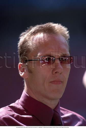 LEE DIXON before the AXA FA Cup Final, Liverpool 2 v ARSENAL 1, Millennium Stadium, 010512. Photo: Neil Tingle/Action Plus...2001.soccer.football.portrait.sunglasses