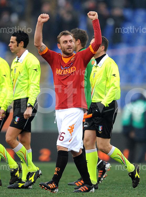 FUSSBALL INTERNATIONAL   SERIE A   SAISON 2011/2012    AS Rom - Inter Mailand  05.01.2012 Daniele De Rossi (AS Rom)