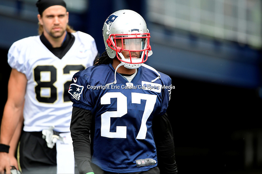 Wednesday August 10, 2016: New England Patriots defensive back Darryl Roberts (27) walks to the practice field at a joint training camp practice between New England Patriots and  the New Orleans Saints  training camp held Gillette Stadium in Foxborough Massachusetts. Eric Canha/CSM