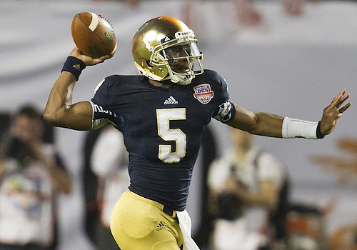 January 7, 2013:  Notre Dame quarterback Everett Golson (5) passes the ball during the Discover BCS National Championship between the Alabama Crimson Tide and the Notre Dame Fighting Irish at Sun Life Stadium in Miami Gardens, Florida.  Alabama defeated Notre Dame 42-14.