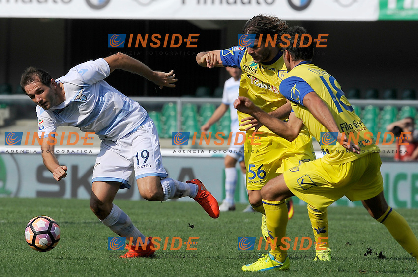 Senad Lulic Lazio, Perparim Hetemaj, Massimo Gobbi Chievo <br /> Verona 11-09-2016 Stadio Bentegodi <br /> Football Calcio Serie A Chievo - Lazio <br /> Foto Insidefoto