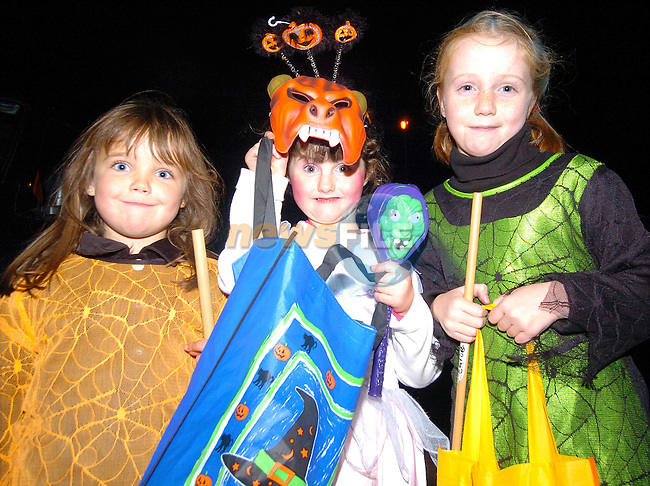 Eimear Dyas Aisling Clinton and Lauren Delaney out trick or treating for Halloween..Photo Fran Caffrey Newsfile.ie..This Picture has been sent to you by Newsfile Ltd..The Studio,.Millmount Abbey,.Drogheda,.Co. Meath,.Ireland..Tel: +353(0)41-9871240.Fax: +353(0)41-9871260.ISDN: +353(0)41-9871010.www.newsfile.ie..general email: pictures@newsfile.ie