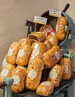 Austria, Upper Austria, Salzkammergut, St. Wolfgang at Lake Wolfgang: local speciality Fruit Bread | Oesterreich, Oberoesterreich, Salzkammergut, St. Wolfgang am Wolfgangsee: heimische Spezialitaet St. Wolfganger Fruechtebrot