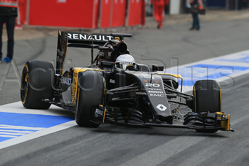 25.02.2016. Circuit de Catalunya, Barcelona, Spain. Day 4 of the Spring F1 testing and new car unvieling for 2016-17 season.  Renault Sport F1 Team RS16 – Kevin Magnussen.