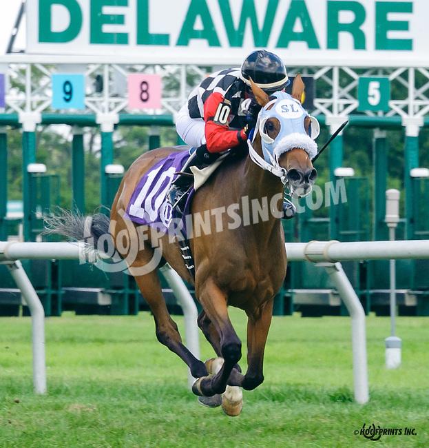 Tarkia winning at Delaware Park on 8/4/16