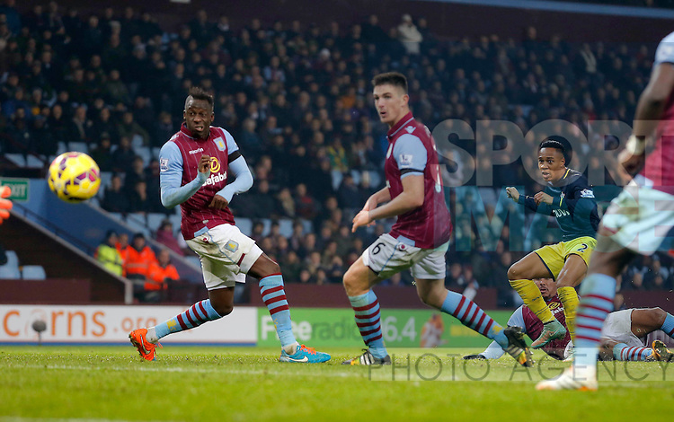 Nathanael Clyne of Southampton levels the score at 1-1 - Football - Barclays Premier League - Aston Villa vs Southampton - Villa Park Birmingham  - Season 2014/2015 - 24th November 2015 - Photo Malcolm Couzens /Sportimage