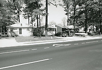 1998 February ..Conservation.Campostella Heights..Campostella Heights Study.Fair Structures.1732-1740 River Road looking East...NEG#.NRHA#.02/98  SPECIAL: Camp.1 2:5:14.