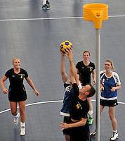 CALI - COLOMBIA - 31-07-2013: Partido de Korfball entre los equipos de Belgica y Rusia en los IX Juegos Mundiales Cali, julio 31 de 2013. (Foto: VizzorImage / Luis Ramirez / Staff). Match of Korfball between Belgium and Russia in the IX World Games Cali, July 31, 2013. (Photo: VizzorImage / Luis Ramirez / Staff).
