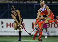 Pippa Hayward during the World Hockey League final between the Netherlands and New Zealand. North Harbour Hockey Stadium, Auckland, New Zealand. Sunday 26 November 2017. Photo:Simon Watts / www.bwmedia.co.nz