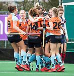 HUIZEN  -  Noor Hakker (Gro) heeft de stand op 1-1 gebracht  , hoofdklasse competitiewedstrijd hockey dames, Huizen-Groningen (1-1) vreugde bij Groningen.   COPYRIGHT  KOEN SUYK