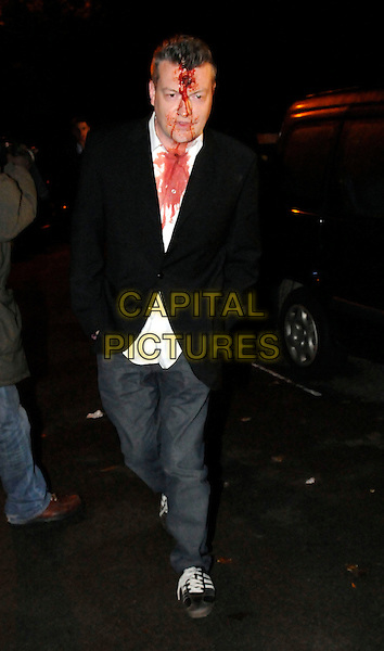 GUEST.Jonathan Ross and family host a Halloween party for their celebrity friends at their home in London, England, 31st October 2008..Arriving full length costume dressed-up blood fake make-up.CAP/FIN.©Steve Finn/Capital Pictures