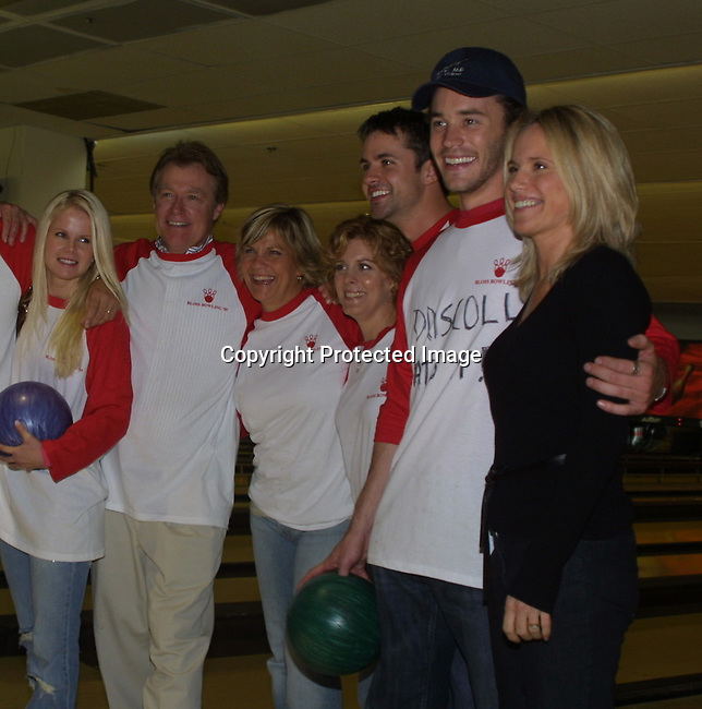 """Guiding Light's Crystal Hunt (Lizzie), Jerry verDorn (Ross), Kim Zimmer (Reva), Liz Kiefer (Blake), John Driscoll (Coop), Tom Pelphrey (Johnathan) and Beth Chamberlin (Beth) at the """"Bloss"""" Bowling Event during the Guiding Light weekend on October 15, 2005 at the Port Authority, NY (Photo by Sue Coflin)"""